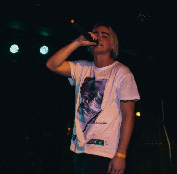 Yung Finn - She Don't Love Me